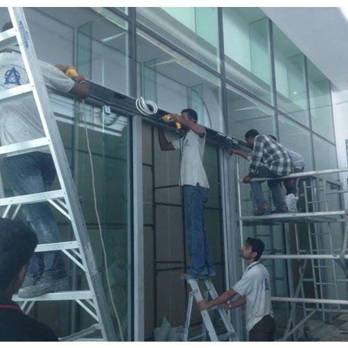 Facade/Glass Cleaning Services in Delhi